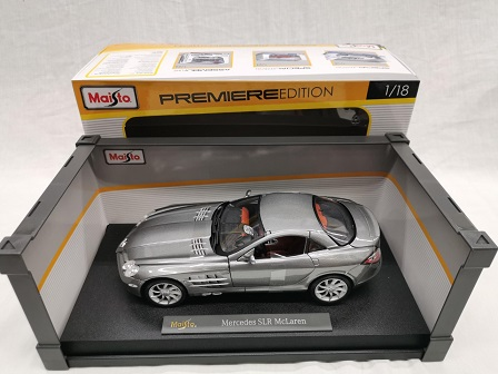 Mercedes-Benz SLR McLaren 1-18 Grijs Metallic Maisto