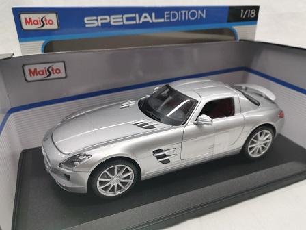 Mercedes-Benz SLS AMG Zilver 1-18 Maisto