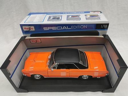 Pontiac GTO Hurst 1965 Oranje / Zwart 1-18 Maisto