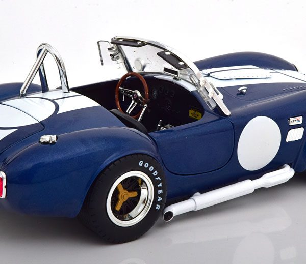 Shelby Cobra 427 S/C 1965 Blauw Metallic / Wit 1-18 Shelby Collectibles