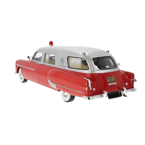 Packard Henney Ambulance 1952 Rood / Zilver, 1:18, BoS-Models Limited 504 Pieces
