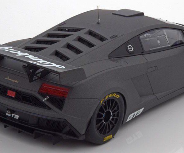 Lamborghini Gallardo GT3 FL2 2013 Matgrijs 1-18 Autoart ( With Opening Doors )