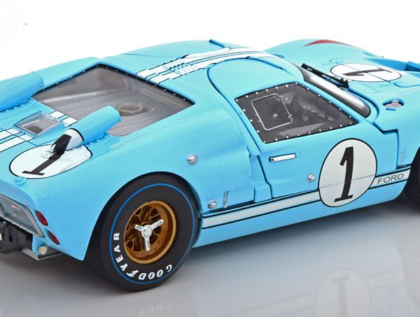 Ford GT40 MK II No.1, The Real Winner 24hrs Le Mans Miles/Hulme ( Film Le Mans ) Lichtblauw 1-18 Shelby Collectibles