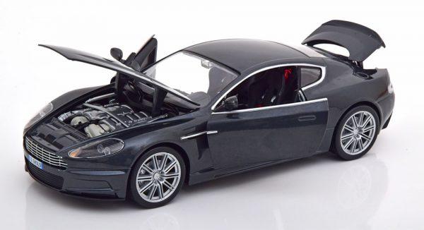 "Aston Martin DBS James Bond ""Quantum of Solace"" Grijs Metallic 1-18 Ertl Autoworld"