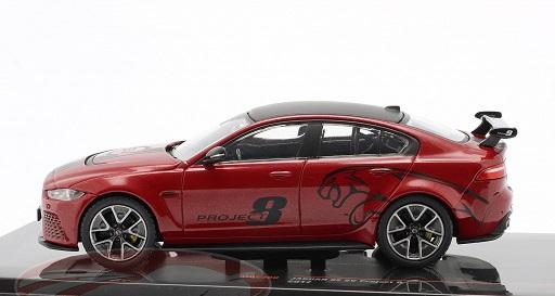 Jaguar XE SV Project 8 2017 Rood Metallic / Zwart 1-43 Ixo Models