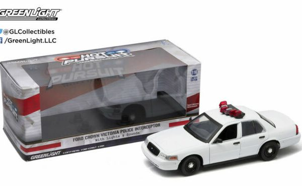 Ford Crown Victoria Olice Interceptor 1-18 Wit ( With Lights and Sounds ) Greenlight Collectibles