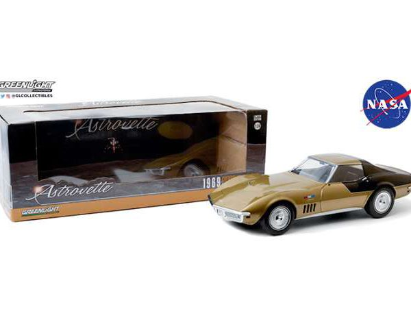 "Chevrolet Corvette 1969 ""NASA Apollo XII Astronauts"" *AstroVette*, Goud / Zwart 1-24 Greenlight Collectibles"