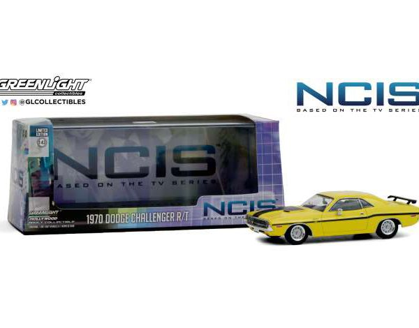 "Dodge Challenger R/T 1970 Yellow with Black Stripes ""NCIS"" (2003) TV Series 1/43 Greenlight Collecitbles"