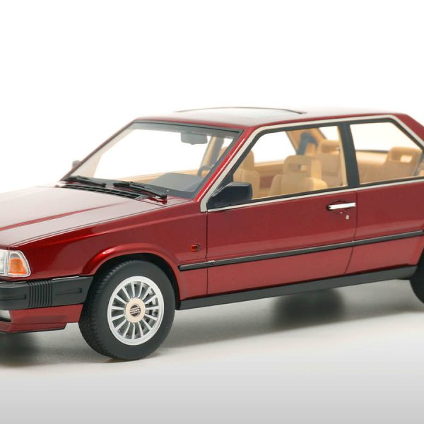 Volvo 780 Coupé Bertone 1986 Red Pearl Metallic 1-18 DNA Collectibles Limited 320 Pieces