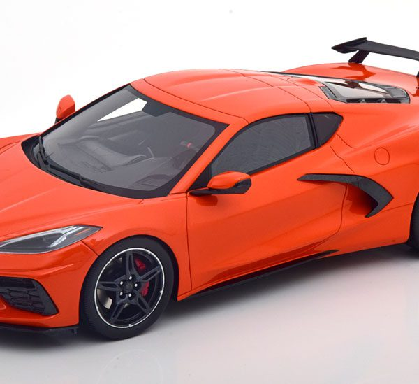 Chevrolet Corvette C8 2020 Stingray Oranje ( met Spoiler ) 1-18 True Scale Miniatures