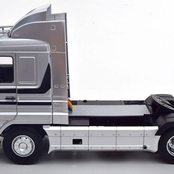 Scania 143 Streamline 1995 Zilver 1-18 Road Kings Limited 400 Pieces