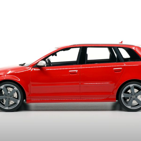 Audi RS3 8P Sportback 2011 Grey Wheels 1/18 DNA Collectibles Limited Edition