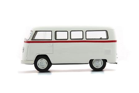 Palten Diesel Box Van 1954 (White) 1/43 Autocult Limited 333 Pieces