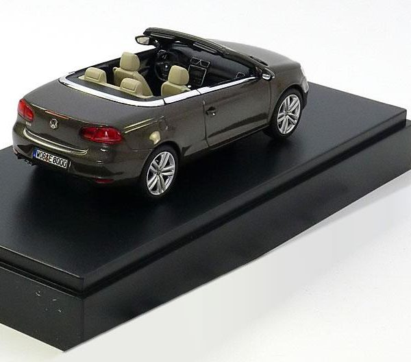 Volkswagen Eos 2011 Bruin Metallic 1-43 Kyosho