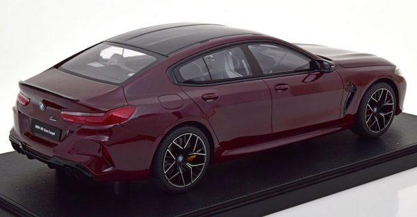 BMW M8 Gran Coupe 2020 Donker Violet Metallic 1-12 Kyosho Met Vitrine Limited 500 Pieces