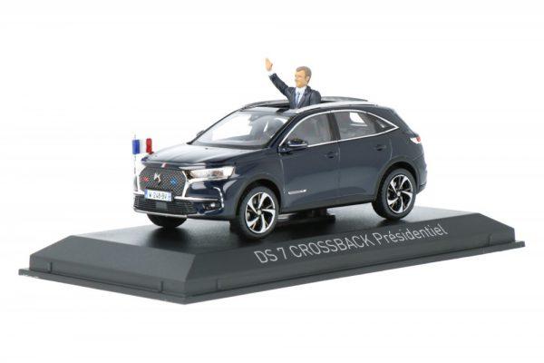 """Citroen DS 7 Crossback """"Presidentiel"""" 2017 Met figuur Blauw Metallic 1:43 Norev"""