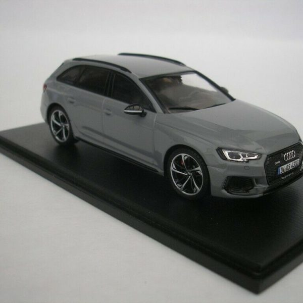 Audi RS4 Avant 2018 Nardo Grey 1-43 Spark