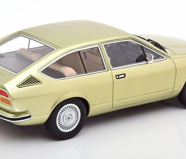 Alfa Romeo Alfetta GT 1975 Lichtgroen Metallic 1-18 Cult Scale Models ( Resin )
