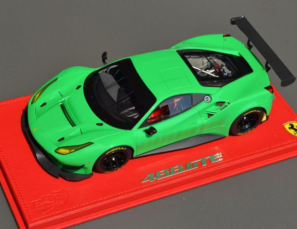 Ferrari 488 GTE 2016 Signal Green / Gloss Black Wheels 1-18 BBR Models Limited Edition 10 Pieces