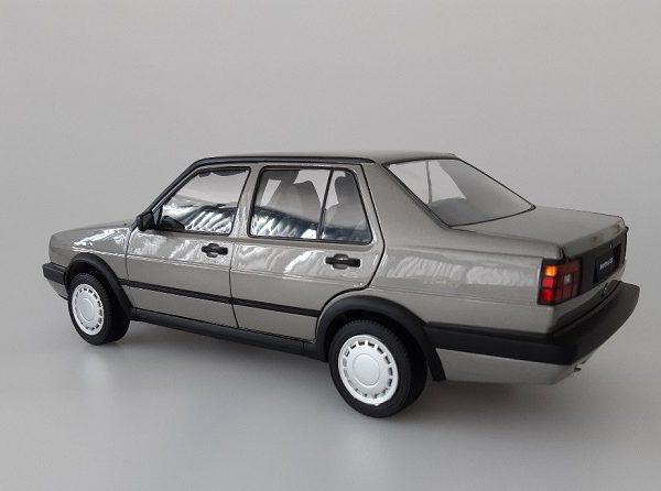 Volkswagen Jetta MKII GT Zilvergrijs Metallic 1-18 Missions Models