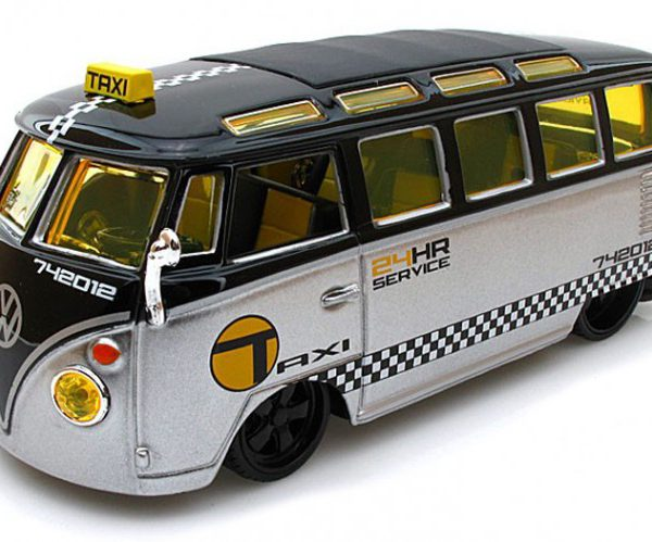 Volkswagen T1 Samba Van Taxi Zilver / Zwart 1-24 Maisto