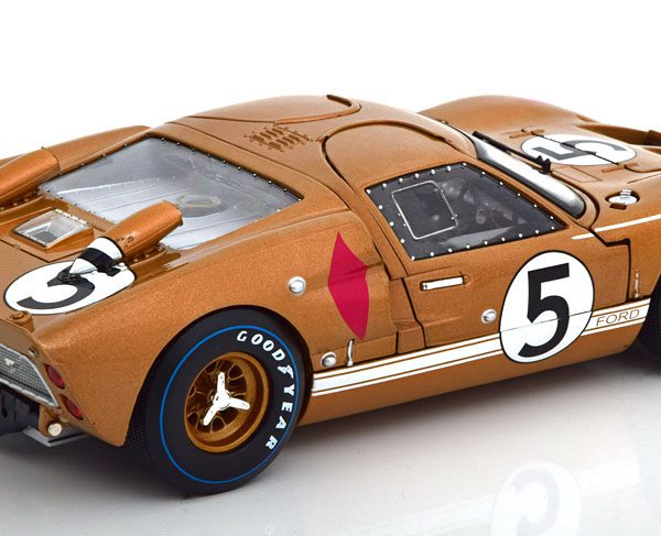 Ford GT40 MK II No.5, 24Hrs Le Mans 1966 Bucknum/Hutcherson Goud 1-18 Shelby Collectibles