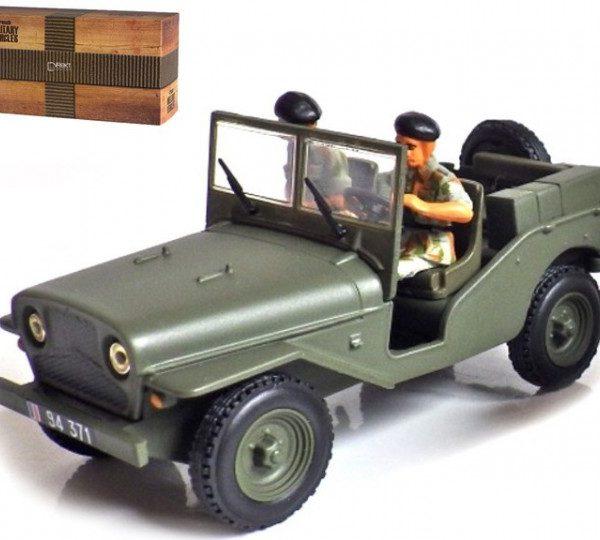Delahaye Jeep VLRD 1949 + Figuren Groen 1-43 Atlas