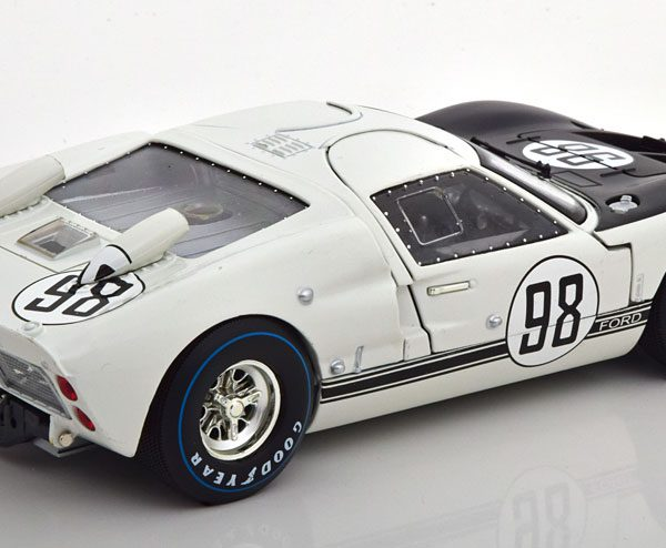 Ford GT40 MK II #98 Winner 24Hrs Daytona 1966 Miles/Ruby Wit / Zwart 1-18 Shelby Collectibles
