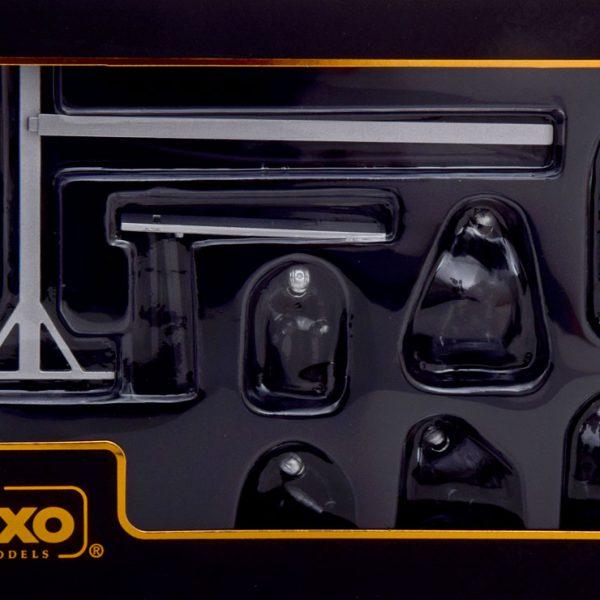Mercedes Pitstop Mechanic ( Set met 6 Figuren erbij ) Zwart met Decals 1-43 Ixo Models