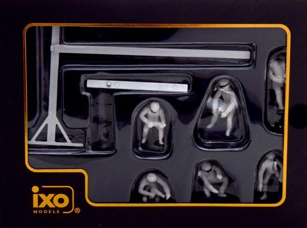 Universeel Pitstop Mechanic Set ( met 6 Figuren erbij ) 1-43 Ixo Models