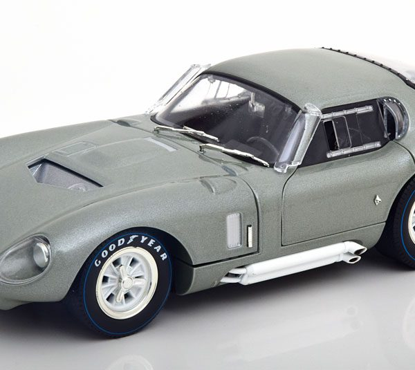 Shelby Cobra Daytona Coupe 1965 Grijs Metallic 1-18 Shelby Collectibles