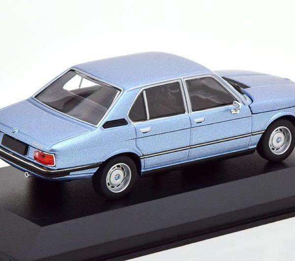 BMW 520 ( E12 ) 1974 Blauw Metallic 1-43 Minichamps Limited 500 Pieces