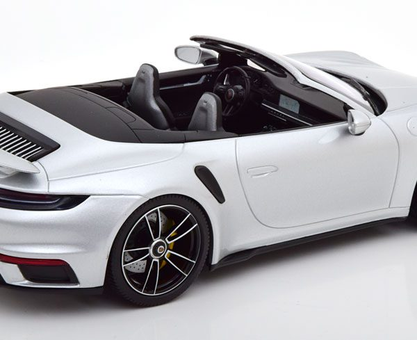 Porsche 911 (992) Turbo S Cabriolet 2020 Zilver Metallic 1:18 Minichamps Limited 302 Pieces