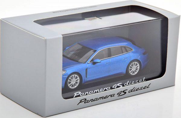 Porsche Panamera 4S Diesel 2017 Blauw Metallic 1-43 Minichamps ( Dealer )
