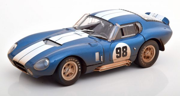 """Shelby Cobra Daytona Coupe No.98 1965 """"Dirty Version"""" Blauw / Wit 1-18 Shelby Collectibles"""