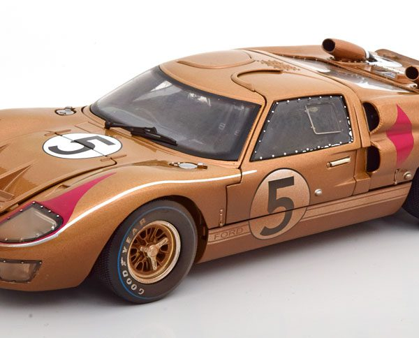 """Ford GT40 MK 2 No.5, 24Hrs Le Mans 1966 """"Dirty Version"""" Bucknum/Hutcherson 1-18 Shelby Collectibles"""