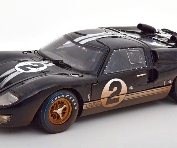 "Ford GT40 MK 2 Winner 24Hrs Le Mans 1966 ""Dirty Version"" McLaren/Amon Zwart 1-18 Shelby Collectibles"