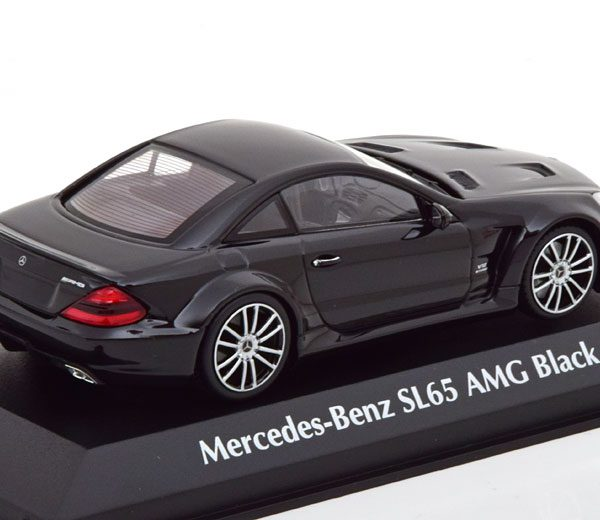 Mercedes-Benz SL65 AMG Black Series 2009 ( R230 ) Zwart 1-43 Maxichamps