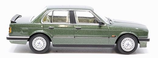 BMW 323i (E30) ( RWD ) Green Metallic 1:43 Corgi / Vanguards