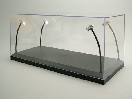 single_vitrine_met_4_mobiel_led_lampen