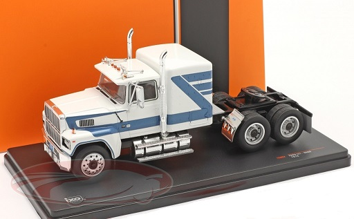 Ford LTL 9000 1978 Wit / Blauw 1-43 Ixo Models