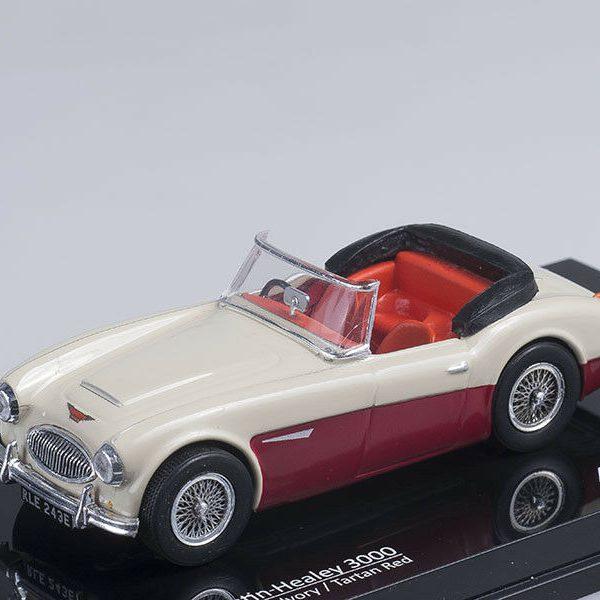 Austin Healey 3000 (Ivory/Tartan Red ) 1-43 Vitesse