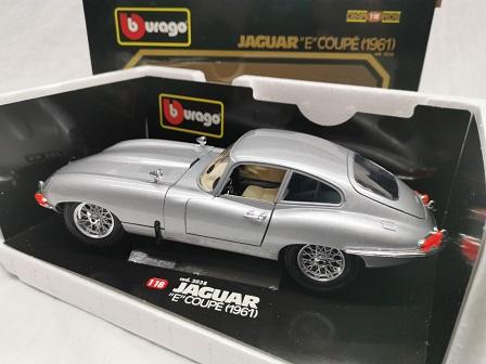 Jaguar E-Type Coupe 1961 Zilver 1-18 Burago