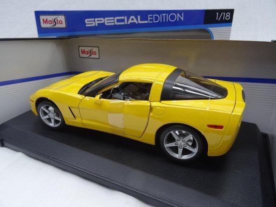 Chevrolet Corvette C6 Coupe 2005 Geel 1-18 Maisto