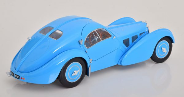Bugatti Type 57 SC Atlantic 1938 Blauw 1-18 Solido
