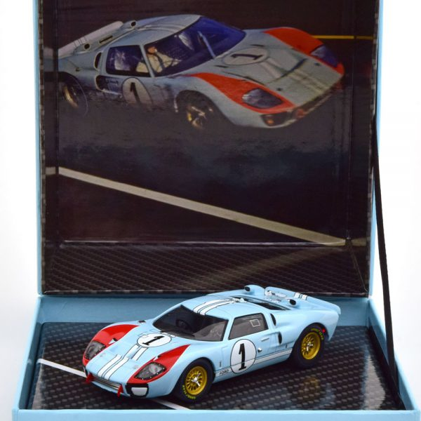 Ford GT40 MK II No.1, The Real Winner 24Hrs Le Mans 1966 Miles/Hulme 1-43 CMR Models ( Giftbox )