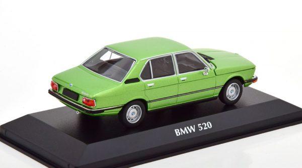 BMW 520 ( E12 ) 1974 Groen Metallic 1-43 Maxichamps