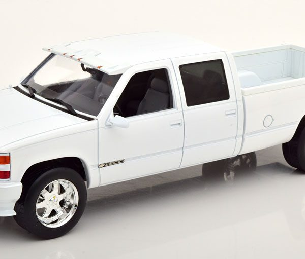 Chevrolet 3500 Silverado 1997 Wit Metallic 1-18 Greenlight Collectibles