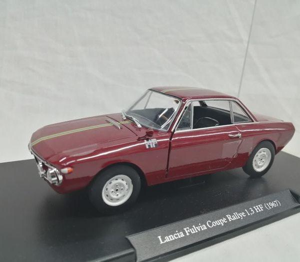 Lancia Fulvia Coupe Rallye 1,3 HF 1967 1-24 Donkerrood Hachette