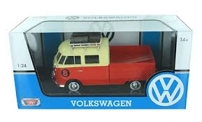 Volkswagen T1 Type Pick Up No.8 With Roof Rack Rood / Creme 1-24 Motormax